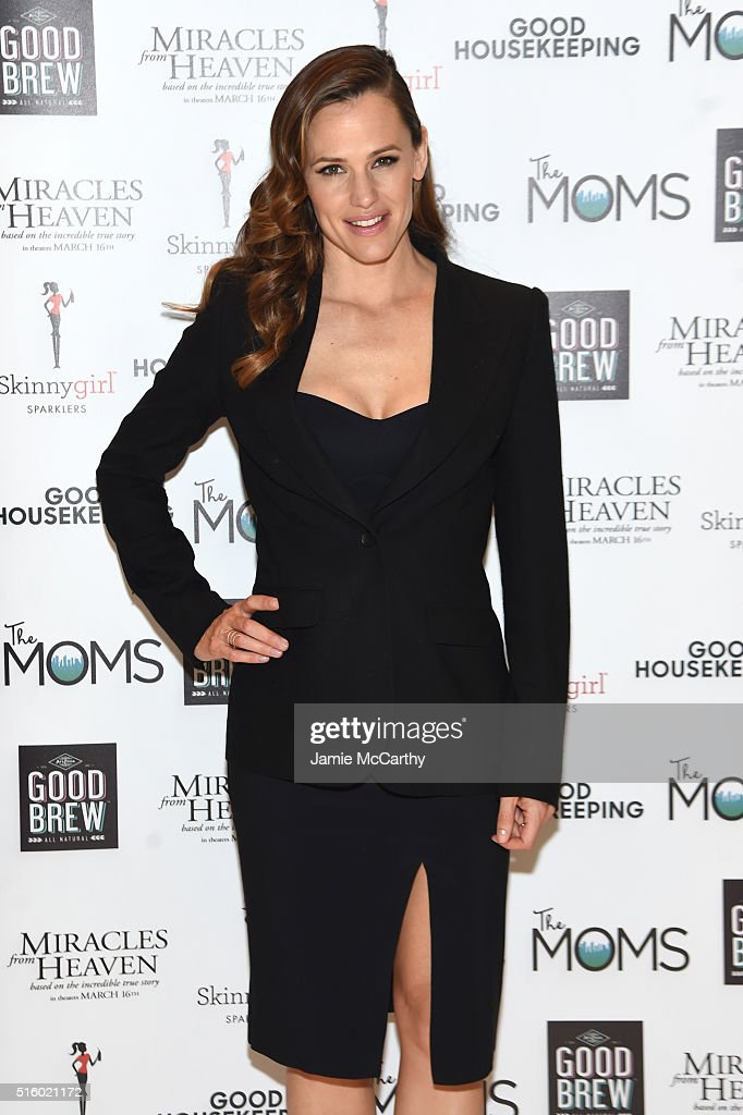 """The MOMS """"Miracles From Heaven"""" Mamarazzi Screening"""