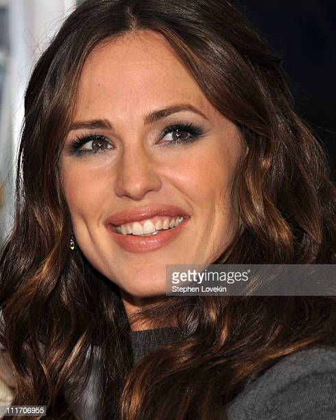 Actress Jennifer Garner attends the New York premiere of Arthur at Ziegfeld Theatre on April 5 2011 in New York City