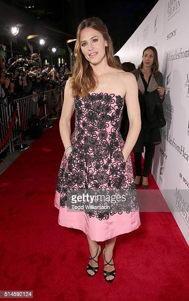 Actress Jennifer Garner attends the Premiere Of Columbia Pictures' Miracles From Heaven Red Carpet at ArcLight Hollywood on March 9 2016 in Hollywood...