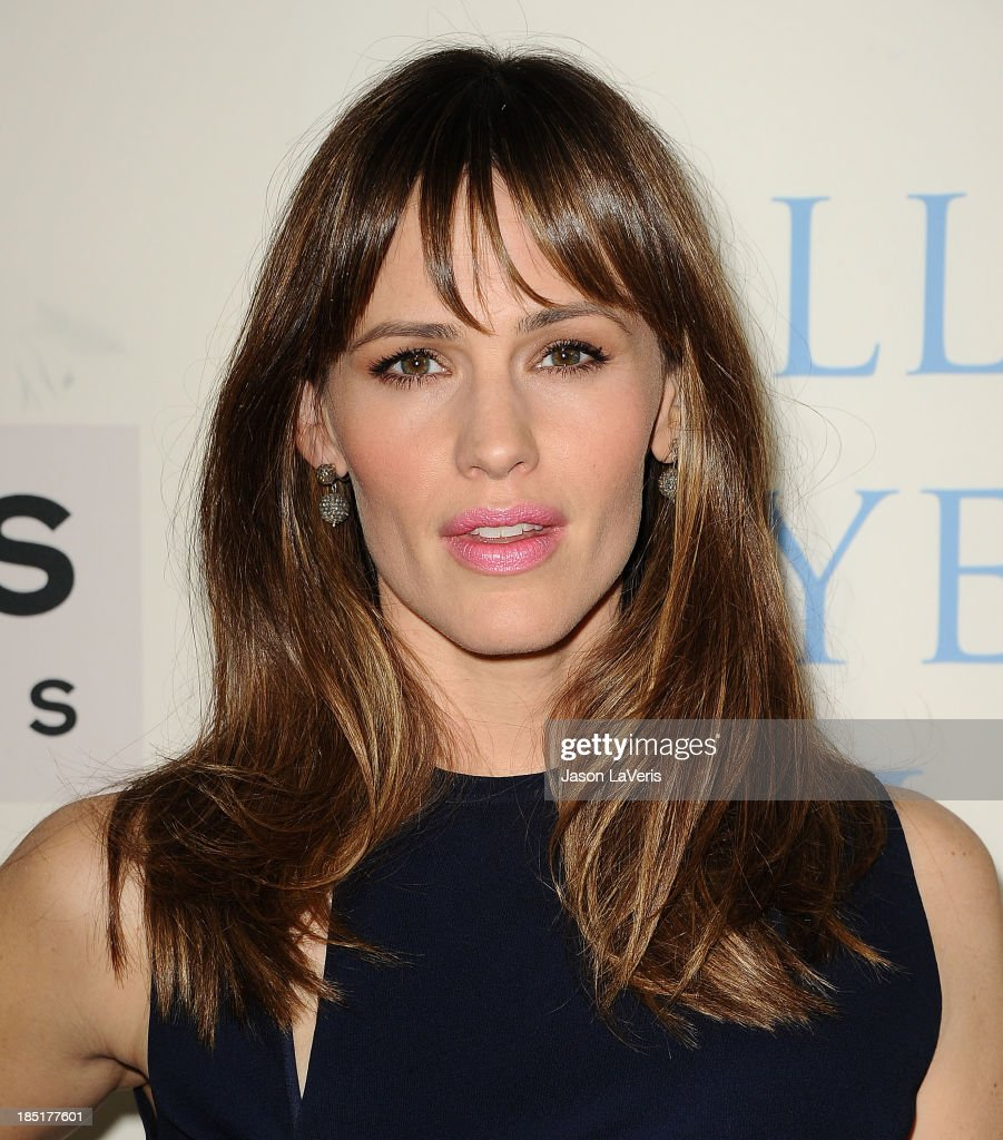 Actress Jennifer Garner attends the premiere of 'Dallas Buyers Club' at the Academy of Motion Picture Arts and Sciences on October 17, 2013 in Beverly Hills, California.