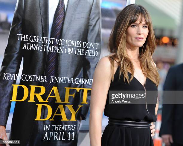 Actress Jennifer Garner attends the premiere of Summit Entertainment's 'Draft Day' presented by Bud Light at the Regency Bruin Theatre on April 7,...