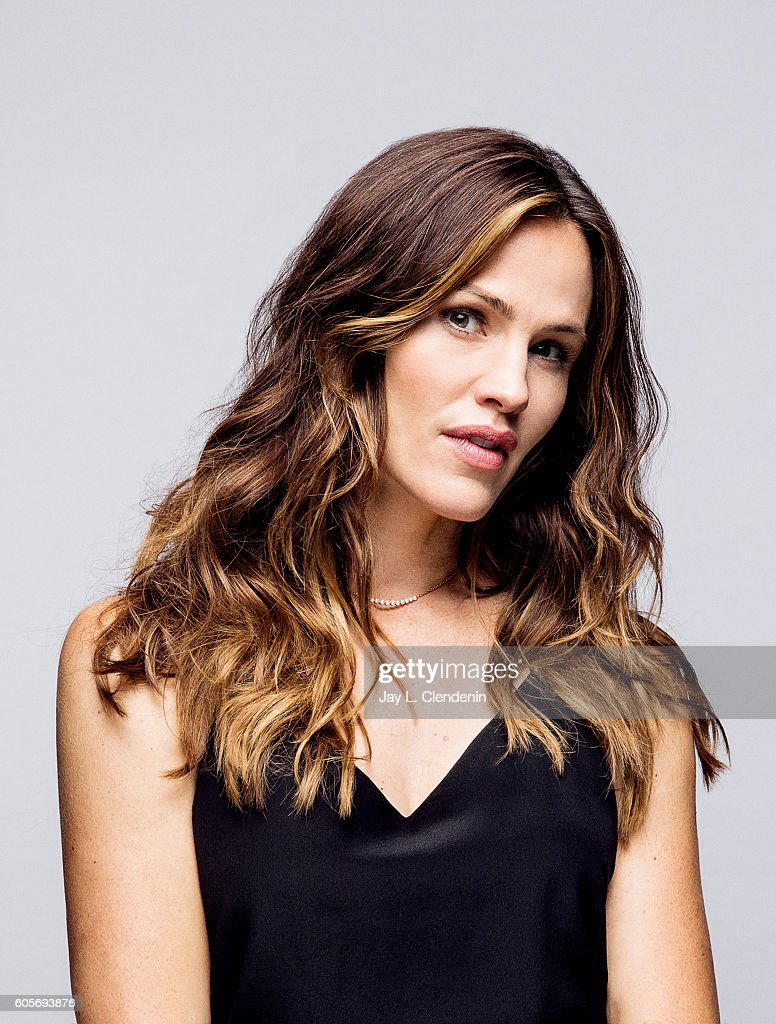Actress Jennifer Garner, from the film 'Wakefield' poses for a portraits at the Toronto International Film Festival for Los Angeles Times on September 12, 2016 in Toronto, Ontario.