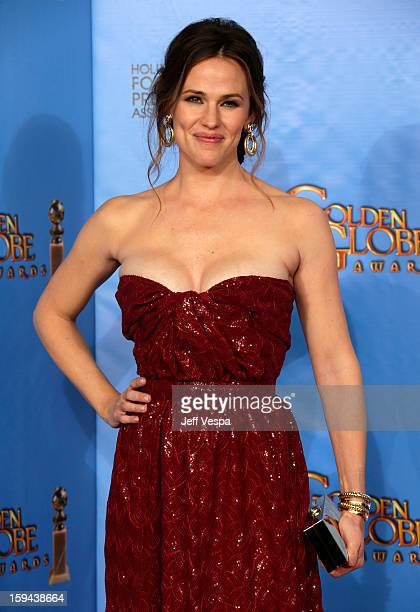 Actress Jennifer Garner poses in the press room at the 70th Annual Golden Globe Awards held at The Beverly Hilton Hotel on January 13 2013 in Beverly...