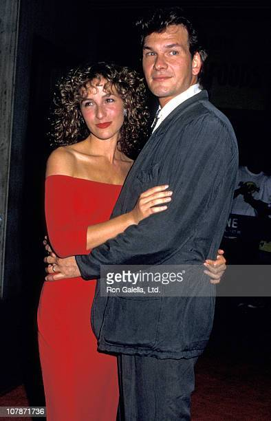 Actress Jennifer Grey and Patrick Swayze attend the premiere of Dirty Dancing on August 17 1987 at the Gemini Theater in New York City