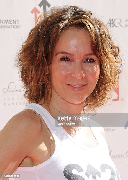 Actress Jennifer Grey arrives at Stand Up To Cancer at Sony Pictures Studios on September 10 2010 in Culver City California