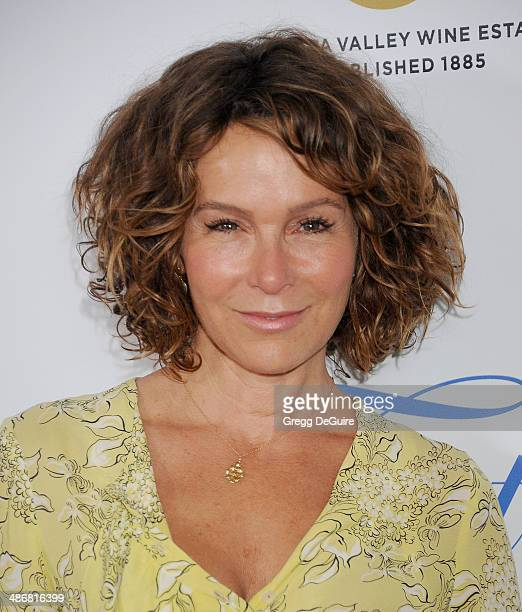 Actress Jennifer Grey arrives at the 19th Annual Jonsson Cancer Center Foundation's Taste For A Cure at Regent Beverly Wilshire Hotel on April 25...