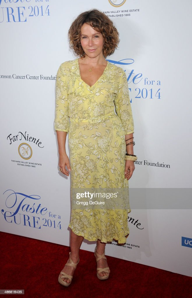 19th Annual Jonsson Cancer Center Foundation's Taste For A Cure - Arrivals