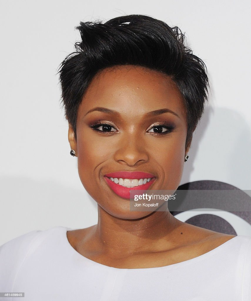 Actress Jennifer Hudson arrives at The 40th Annual People's Choice Awards at Nokia Theatre L.A. Live on January 8, 2014 in Los Angeles, California.