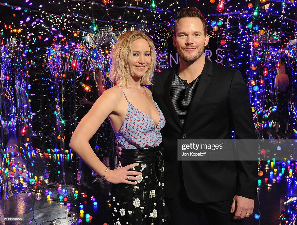 """Photo Call For Columbia Pictures' """"Passengers"""" : ニュース写真"""