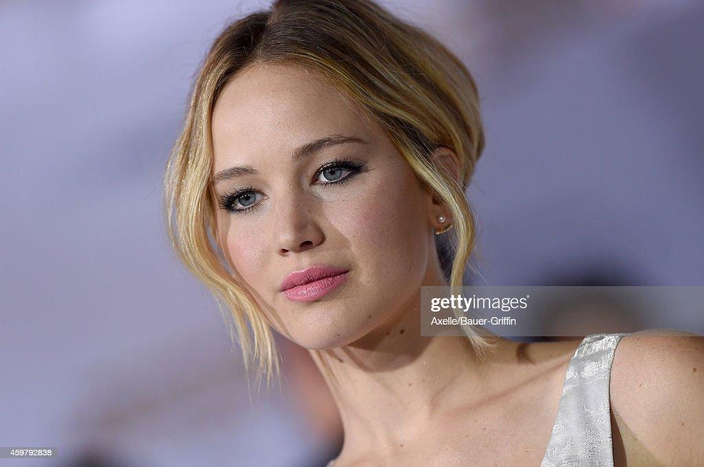 """The Hunger Games: Mockingjay - Part 1"" - LA Premiere : News Photo"