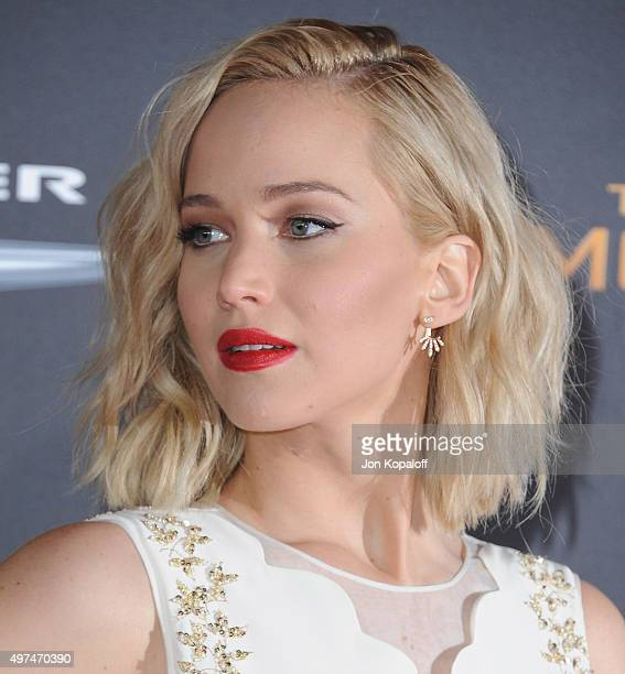 Actress Jennifer Lawrence arrives at the Los Angeles Premiere Of Lionsgate's 'The Hunger Games Mockingjay Part 2' at Microsoft Theater on November 16...
