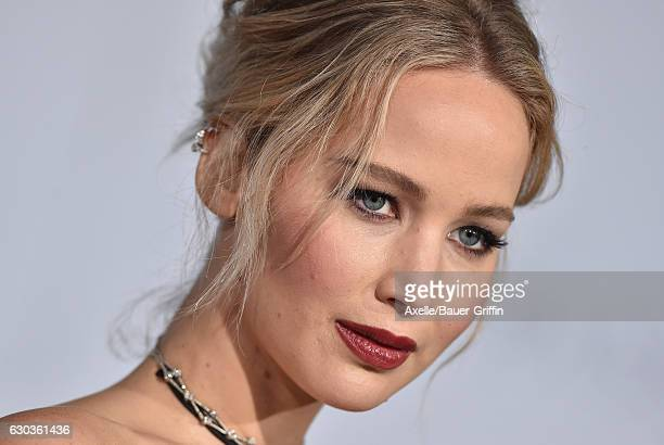 Actress Jennifer Lawrence arrives at the premiere of Columbia Pictures' 'Passengers' at Regency Village Theatre on December 14, 2016 in Westwood,...