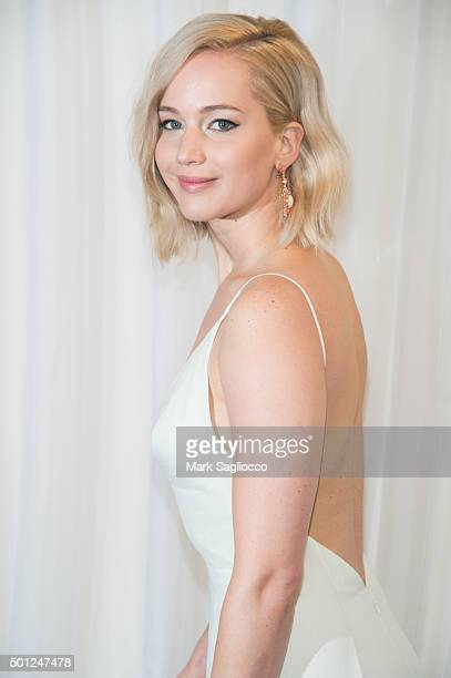 Actress Jennifer Lawrence attends the Joy New York premiere at the Ziegfeld Theater on December 13 2015 in New York City