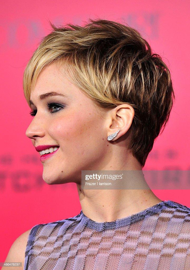 """Premiere Of Lionsgate's """"The Hunger Games: Catching Fire"""" - Arrivals : Fotografía de noticias"""