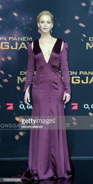Actress Jennifer Lawrence attends the premiere of the film 'The Hunger Games Mockingjay Part 2' in Berlin Germany 4 November 2015 Photo Britta...