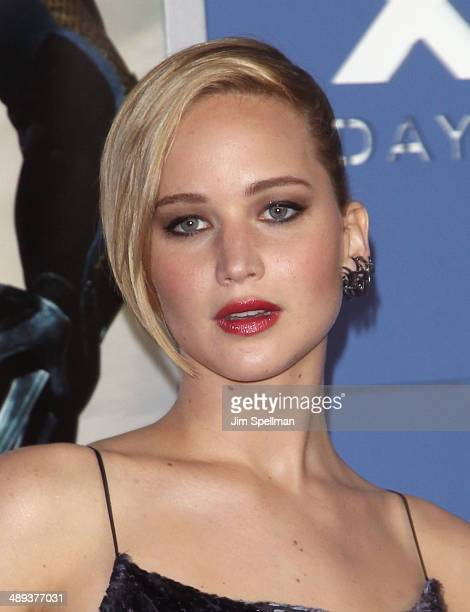 Actress Jennifer Lawrence attends the 'XMen Days Of Future Past' World Premiere Outside Arrivals at Jacob Javits Center on May 10 2014 in New York...