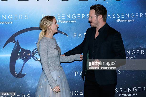 """Actress Jennifer Lawrence, dressed in Dior, and actor Chris Pratt attend the """"Passengers"""" Paris Photocall at Hotel George V on November 29, 2016 in..."""