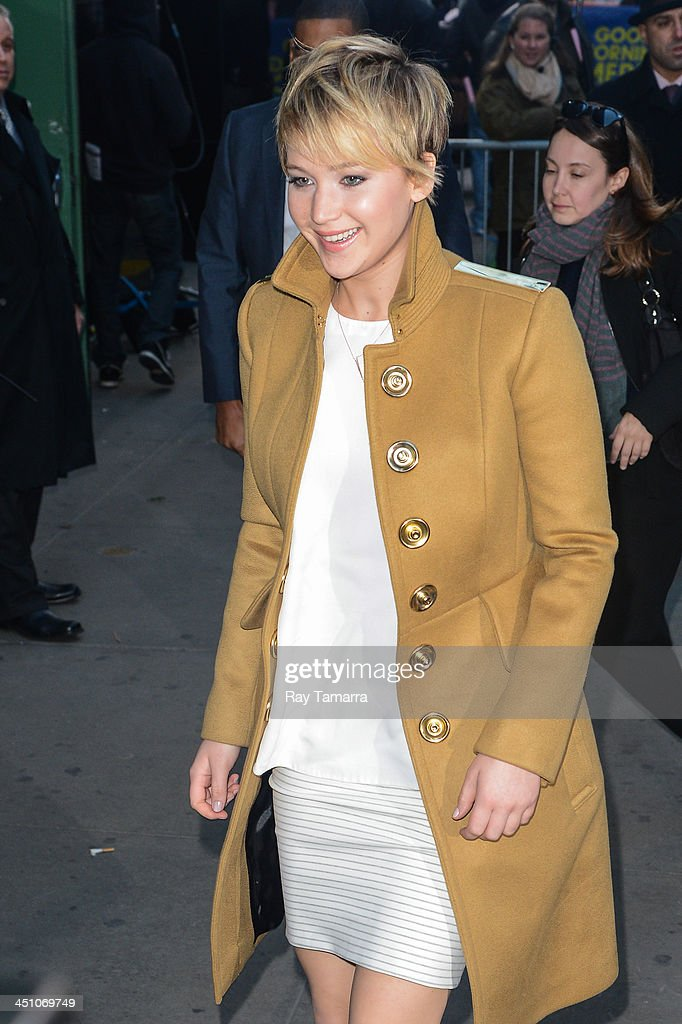 Actress Jennifer Lawrence enters the 'Good Morning America' taping at the ABC Times Square Studios on November 21, 2013 in New York City.