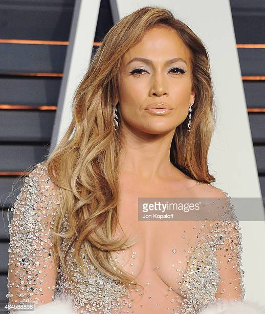 Actress Jennifer Lopez arrives at the 2015 Vanity Fair Oscar Party Hosted By Graydon Carter at Wallis Annenberg Center for the Performing Arts on...