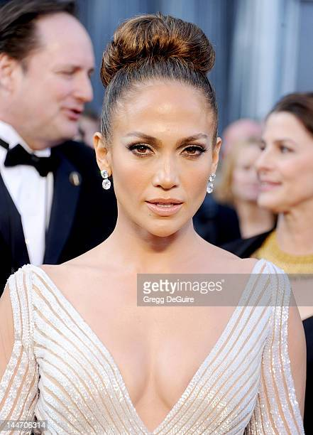 Actress Jennifer Lopez arrives at the 84th Annual Academy Awards at Hollywood Highland Center on February 26 2012 in Hollywood California