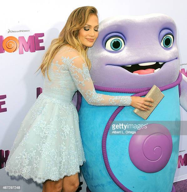 """Actress Jennifer Lopez arrives for the Premiere Of Twentieth Century Fox And Dreamworks Animation's """"HOME"""" held at Regency Village Theatre on March..."""