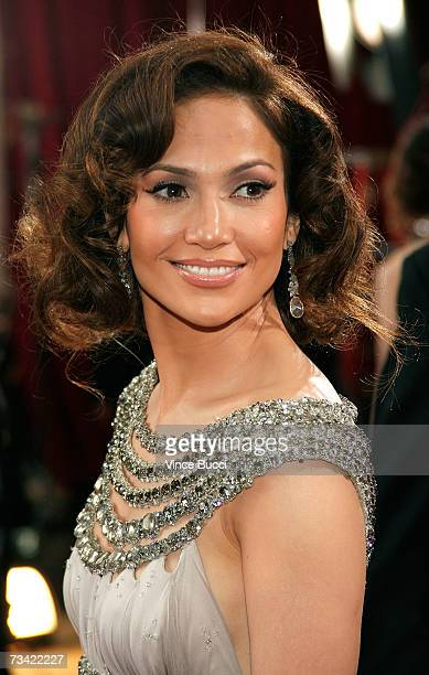 Actress Jennifer Lopez attends the 79th Annual Academy Awards held at the Kodak Theatre on February 25, 2007 in Hollywood, California.
