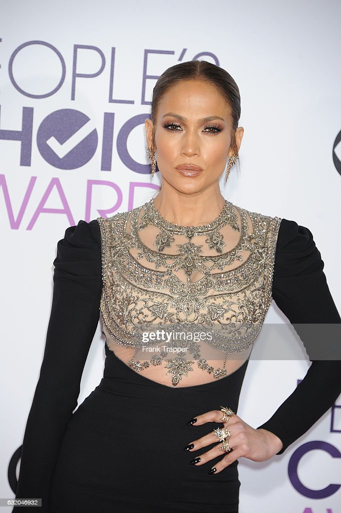 Actress Jennifer Lopez attends the People's Choice Awards 2017 at Microsoft Theater on January 18, 2017 in Los Angeles, California.