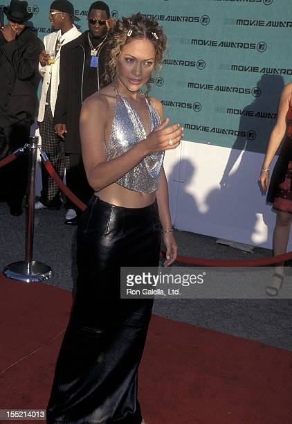 Actress Jennifer Lopez attends the Seventh Annual MTV Movie Awards on May 30 1998 at The Barker Hangar Santa Monica Air Center in Santa Monica...