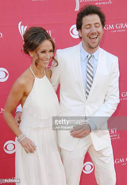 Actress Jennifer Love Hewitt and actor Jamie Kennedy arrive at the 44th Annual Academy of Country Music Awards Arrivals at the MGM Grand Arena on...
