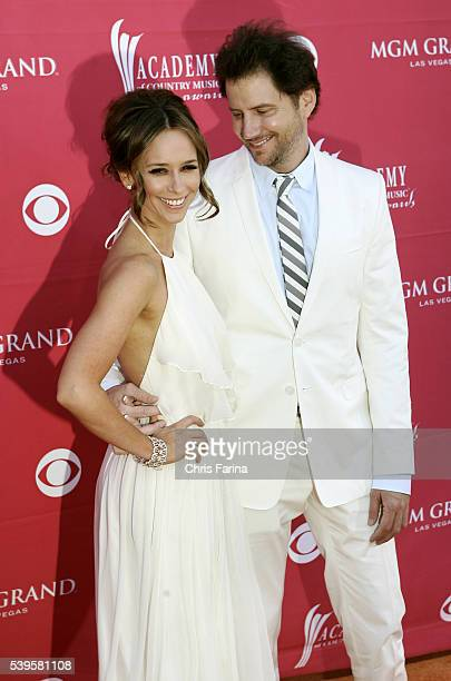 Actress Jennifer Love Hewitt and actor Jamie Kennedy arrive at the 44th Annual Academy of Country Music Awards held at the MGM Grand Garden Arena in...