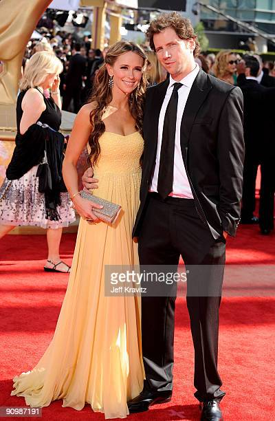 Actress Jennifer Love Hewitt and actor Jamie Kennedy arrive at the 61st Primetime Emmy Awards held at the Nokia Theatre on September 20 2009 in Los...