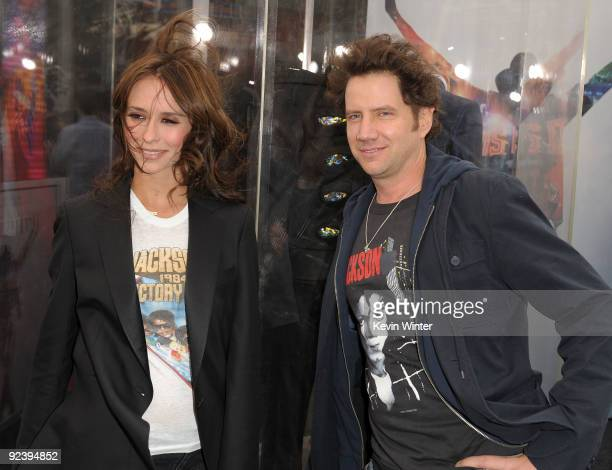 Actress Jennifer Love Hewitt and actor Jamie Kennedy arrive at the premiere of Sony Pictures' 'This Is It' held at Nokia Theatre Downtown LA on...