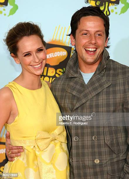 Actress Jennifer Love Hewitt and actor Ross McCall arrive at Nickelodeon's 2008 Kids' Choice Awards held at UCLA's Pauley Pavilion on March 29 2008...