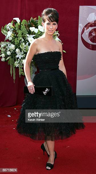 Actress Jennifer Love Hewitt arrives at the 57th Annual Emmy Awards held at the Shrine Auditorium on September 18, 2005 in Los Angeles, California.