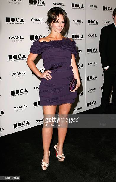Actress Jennifer Love Hewitt arrives at 'The Artist's Museum Happening' MOCA Los Angeles Gala sponsored by Chanel Fine Jewelry held at MOCA Grand...