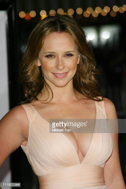 Actress Jennifer Love Hewitt arrives at the Los Angeles Premiere of '27 Dresses' held at The Mann Village Theatre on January 7 2008 in Westwood...