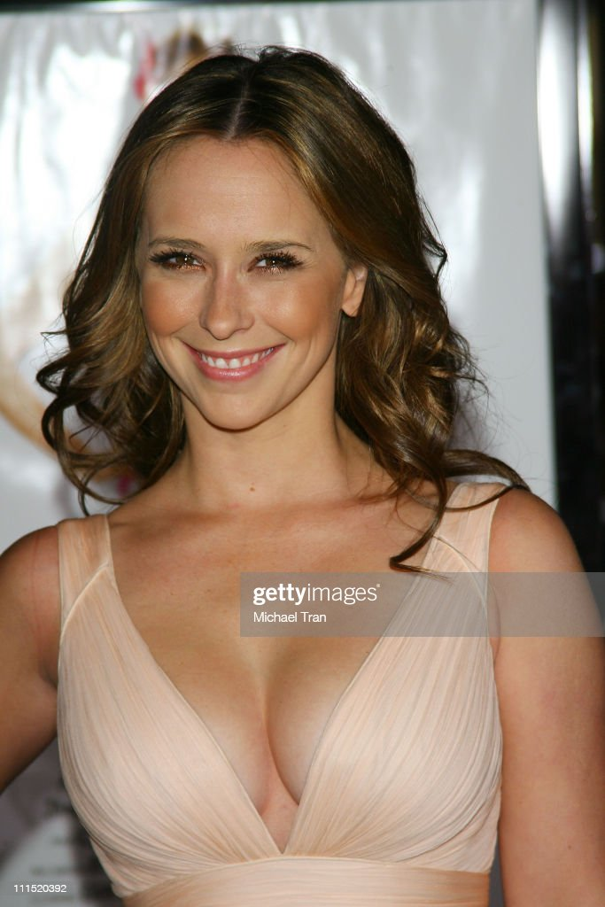 """""""27 Dresses"""" Premiere - Arrivals : News Photo"""