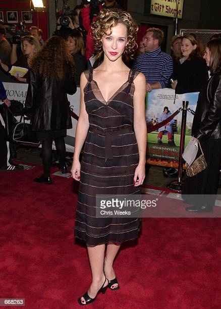 Actress Jennifer Love Hewitt arrives at the premiere of New Line's Little Nicky November 2 2000 at Mann's Chinese Theatre in Hollywood CA