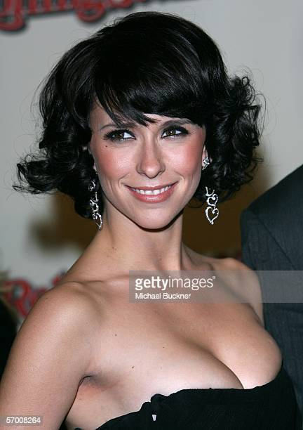 Actress Jennifer Love Hewitt arrives at the Us Weekly and Rolling Stone Oscar Party held at the Pacific Design Center on March 5 2006 in West...