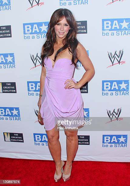 Actress Jennifer Love Hewitt arrives at the WWE SummerSlam kick off party on August 11 2011 in West Hollywood California