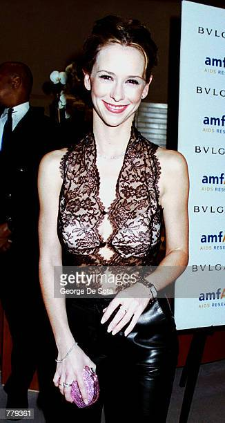 Actress Jennifer Love Hewitt arrives September 12 2000 to attend the amfAR's Seasons of Hope gala event at BVLGARI in New York City