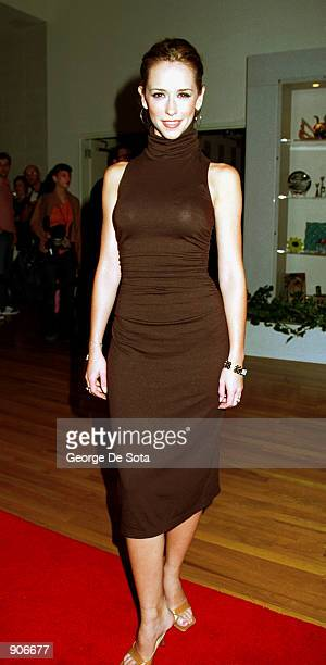 Actress Jennifer Love Hewitt arrives September 13 2000 for the sixth anniversary Fresh Faces in Fashion show 2000 given by Gen Art and presented by...
