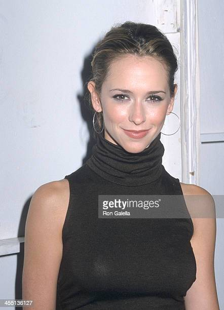 Actress Jennifer Love Hewitt attends Gen Art's Sixth Annual Fresh Faces in Fashion Event on September 13 2000 at the Metropolitan Pavilion in New...