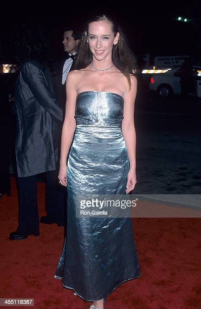Actress Jennifer Love Hewitt attends the 26th Annual People's Choice Awards on January 9 2000 at the Pasadena Civic Auditorium in Pasadena California