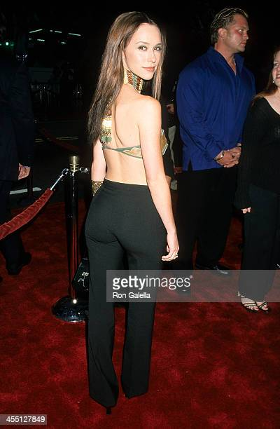 Actress Jennifer Love Hewitt attends the 'Battlefield Earth' Hollywood Premiere on May 10 2000 at the Mann's Chinese Theatre in Hollywood California