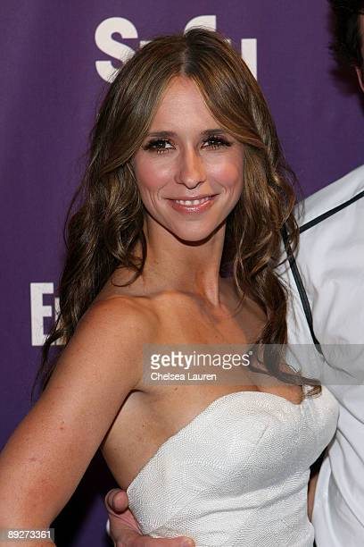Actress Jennifer Love Hewitt attends the Entertainment Weekly and Syfy party celebrating Comic-Con at Hotel Solamar on July 25, 2009 in San Diego,...