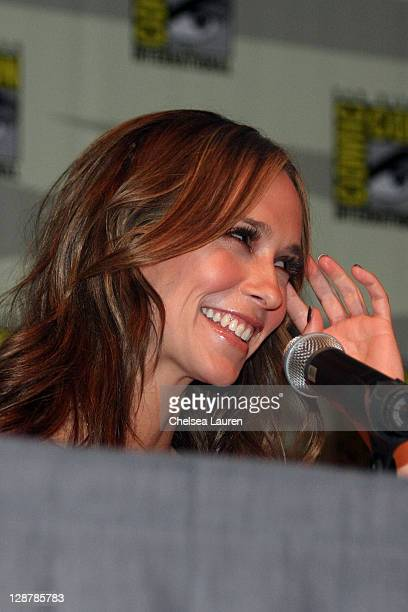 Actress Jennifer Love Hewitt attends the Ghost Whisperer panel on day 4 of the 2009 ComicCon International Convention on July 26 2009 in San Diego...