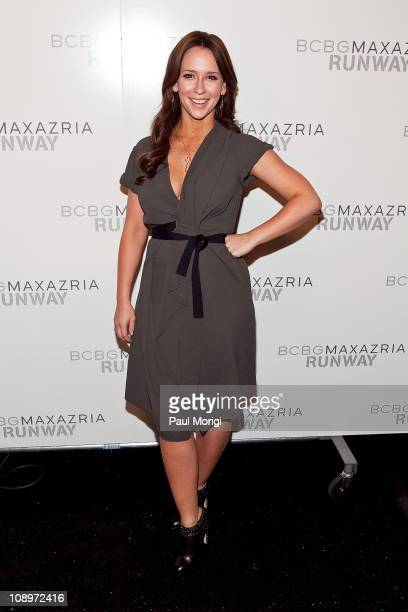 Actress Jennifer Love Hewitt poses for photos backstage at the BCBG Max Azria Fall 2011 fashion show during Mercedes-Benz Fashion Week at The Theatre...