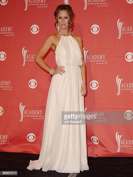 Actress Jennifer Love Hewitt poses in the pressroom at the 44th Annual Academy of Country Music Awards at the MGM Grand Arena on April 5 2009 in Las...