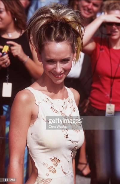 Actress Jennifer LoveHewitt at the 2000 Teen Choice Awards in Santa Monica CA August 6 2000